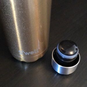 Accessories - Brand new Gold S'well Bottle